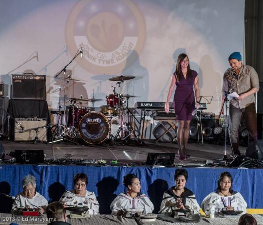 Moment d'échanges et de rencontres lors de l'événement Toonik Tyme à Iqaluit.